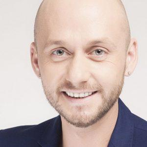 Yoann Chabaud - Improvisateur, Comédien, Humoriste, Metteur en Scène, Auteur
